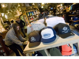 HSS WINS BEST SURF SHOP